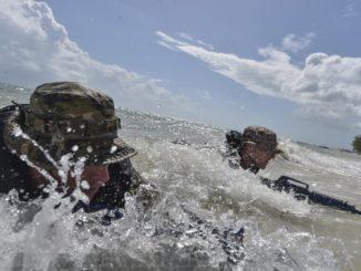 SOF in Surf (USSOCOM photo, 20170909)
