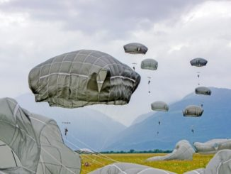 173rd Airborne Brigade paratroopers descend on Juliet DZ in Pordenone, Italy. (Photo by Davide Dalla Massara, U.S. Army, May 22, 2018).